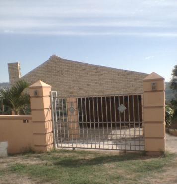 Prime Income generating 1700 m2 Clare Estate property for sale