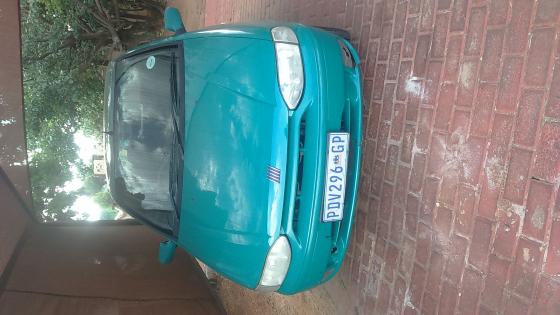 Fiat sienna 2001 sedan 4 door R25000.