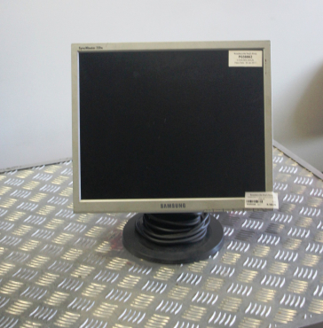 Samsung 17 inch Moni