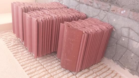 Double Roman roof tiles for sale. | Junk Mail