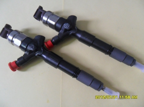 Injectors for toyota D4D HILUX, QUANTUM and FORTUNE (ORIGINAL DENSO