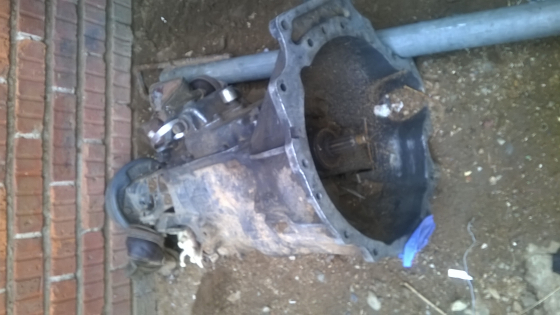 Mitsubishi canter 4d30 5 speed gear box and engine spares for sale
