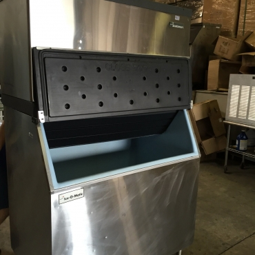 Ice making machines with  bins for sale.