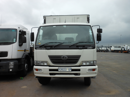 UD 8tonne curtain side truck for sale