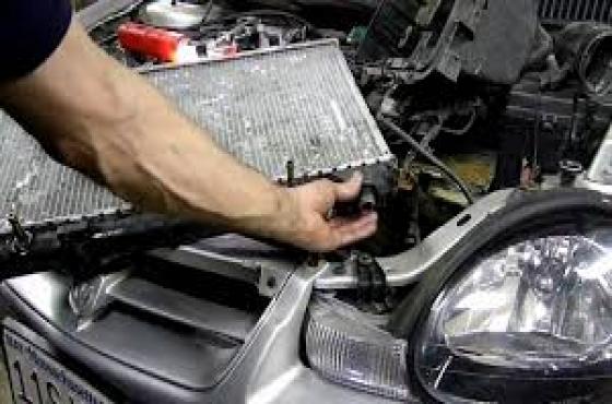 Chrysler Neon 2.0 manual Radiator  for sale  Contact 0764278509  whatsapp  0764278509