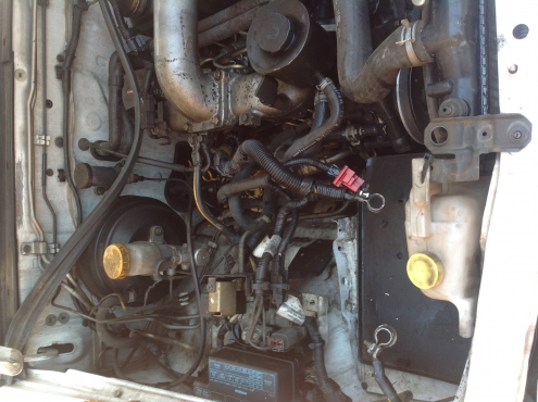 Stripping Nissan Hardbody 2700 2006 for Spares
