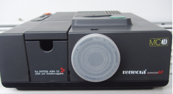 Slide Projector -  REFLECTA DIAMATOR AF 90mm lens - in excellent condition