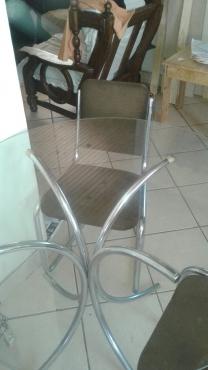kombuis tafel met stoele