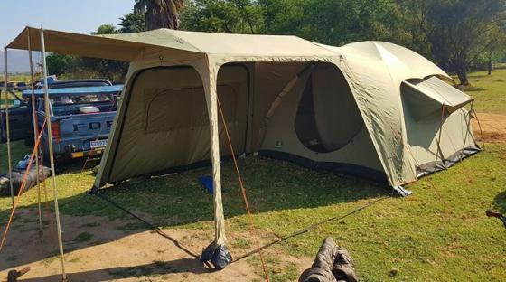 Howling Moon Bush Strata Tent Met Extension