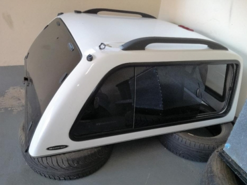 Canopy Carryboy for Nissan NP300 Hardbody Roodepoort