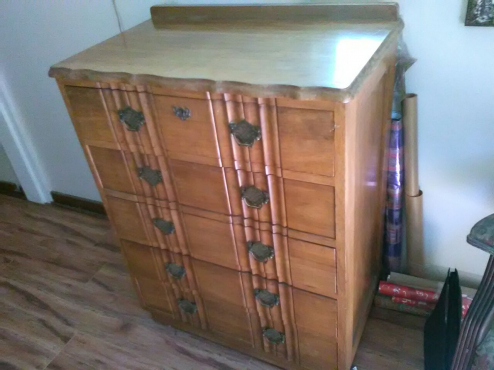 Imbua Chest of Drawers - R 1700 onco