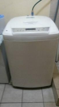 LG washing machine still in excellent condition
