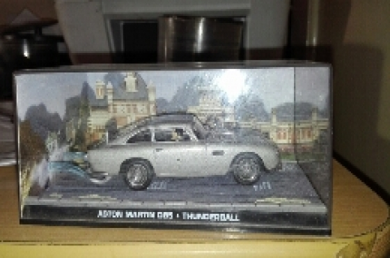 james bond model car collection 82 cars