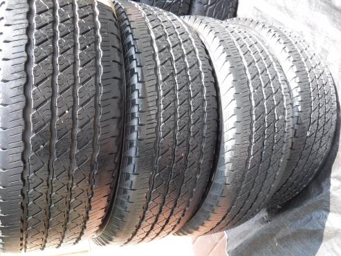 4xNexen Roadian 265/65/17,85 percent tread!!Bakkie tyres