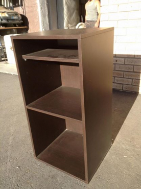 Small shelf unit
