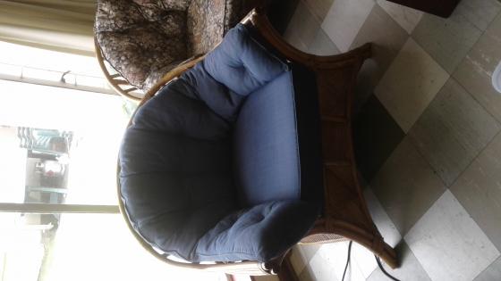 Cane lounge suite