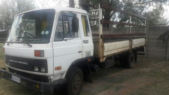 Nissan 6 ton diesel drop sides
