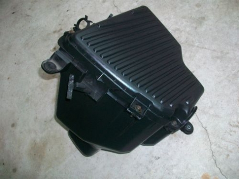 CHRYSLER  Neon Plymouth 2000-2005 air filter box for sale  CONTACT 0764278509 WHATSAPP 0764278509  W