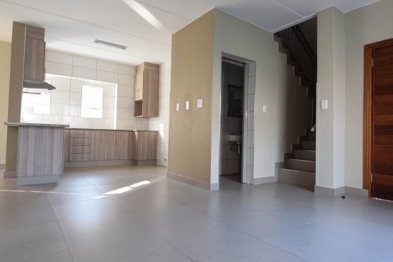Jenny's Place Duplex FOR SALE! - 3 Bedroom, 2.5 Bathroom, Double Garage