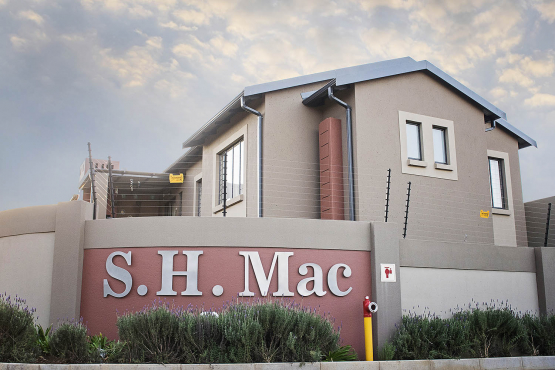 S.H. Mac Groundfloor Unit available