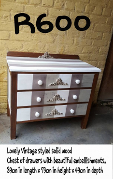 Vintage styled solid wood chest of drawers