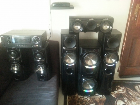 LG ARX-8000 Home Theatre System 5.2 R3500 negotiable