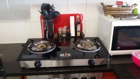 Alva 2 plate glass top gas stove junk mail for Kitchen appliances cape town