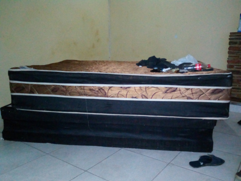 double bed for sale R500