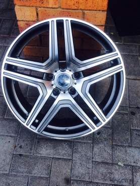 Mags amg in wheels and hubs in gauteng junk mail for Mercedes benz rims for sale