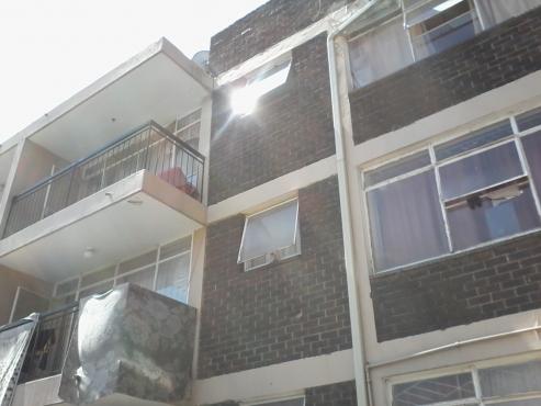 2 bedroom flat in krugersdorp central for sale.