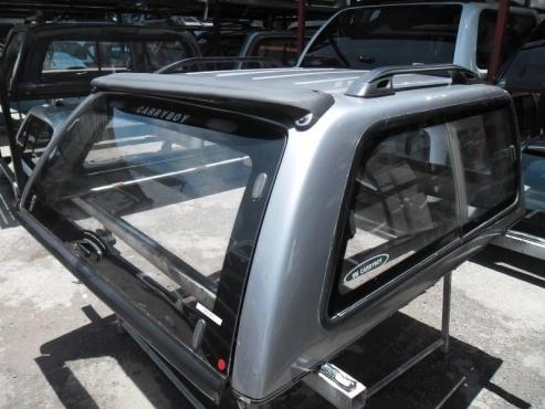 NP 300 DC SILVER CAR