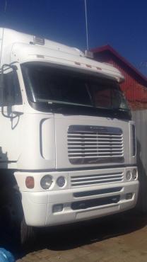 2012 freightliner Argosy isx500