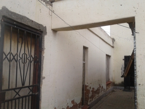 15 Room double storey house in Diepsloot good for renting business for sale R400000 negotiable