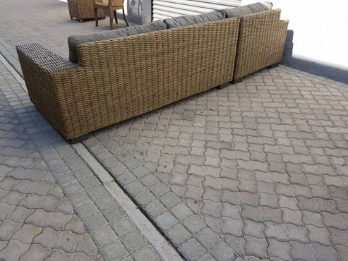 Stunning REAL CANE daybed/corner unit!!