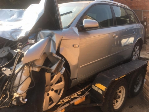 AUDI A4 B7 2.0TDI ESTATE STRIPPING FOR SPARES
