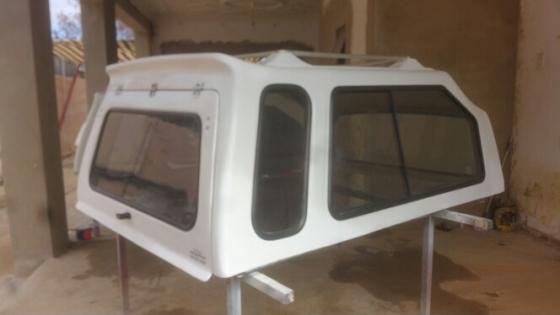 Nissan np300 hardbody swb sa canopy for sale