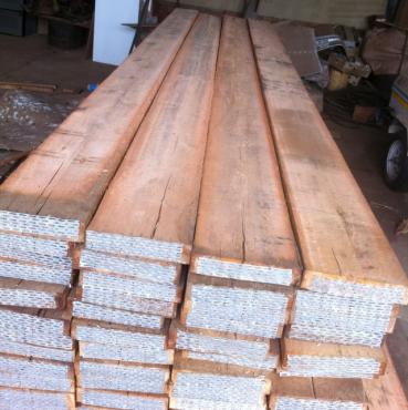 Saligna scaffold walk-on timber planks