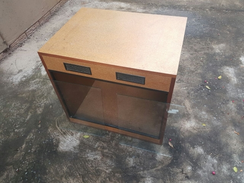 Large terrarium/reptile tank for sale. Brand new