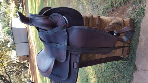 Stampede roper saddle