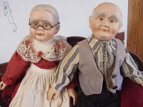 Grandma & Grandpa porcelain cloth dolls - Victorian Style Lounge Suite
