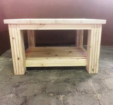 Coffee table Chunky Cottage series 900 square with shelf Raw