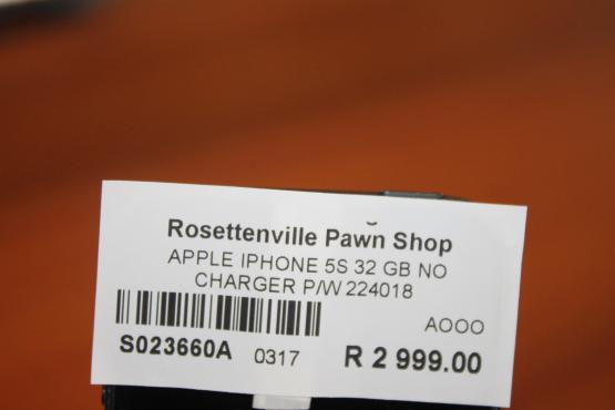 Apple Iphone 5S 32GB Cellphone S023