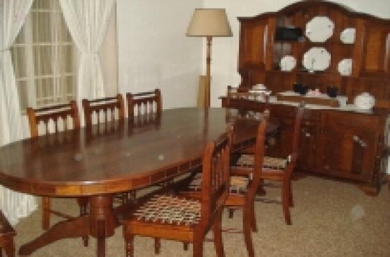 Emboya Dinning Room Suite