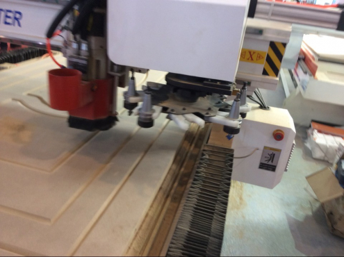 Auto tool changer for the woodworking