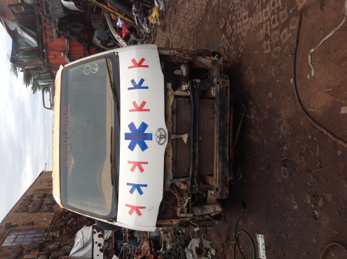 Stripping Toyota Quantam 2006 for Spares