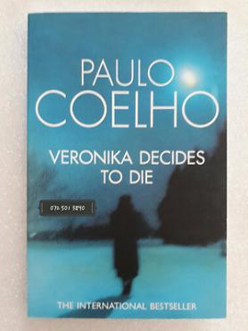 Veronika Decides To Die - Paulo Coelho.