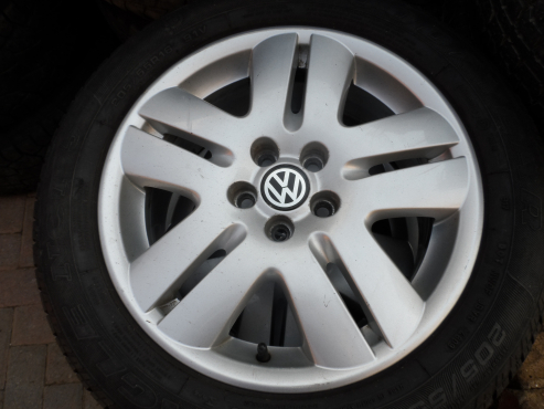 VW Jetta / Golf 4 / Golf 5 Mags and Tyres