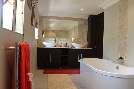sibakwa bb luxuary guest house spa ballito north coast - Bathroom Cabinets Kzn
