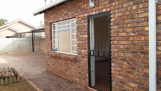 1 Bedroom Garden Flat To Rent In Pretoria North R3600 Junk Mail
