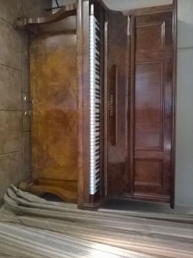 CARL ECKE BERLIN Piano